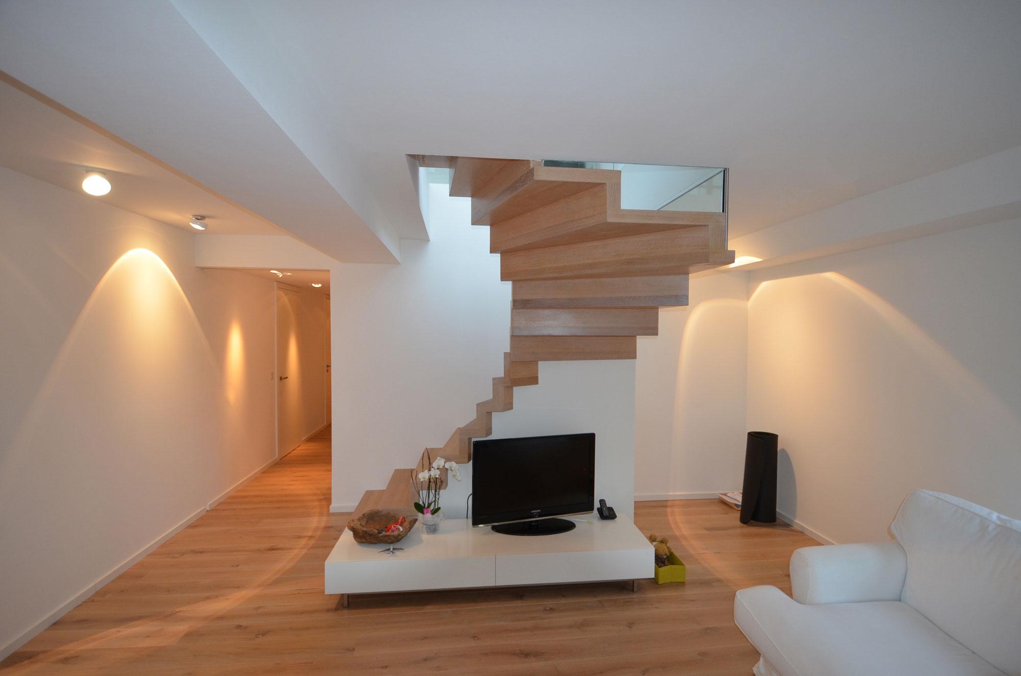 maisonnettewohnung mit freitragender faltwerktreppe in frankfurt